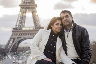 Engagement, couple portrait photoshoot in Paris with Ainsley Ds photography, Paris photographer.