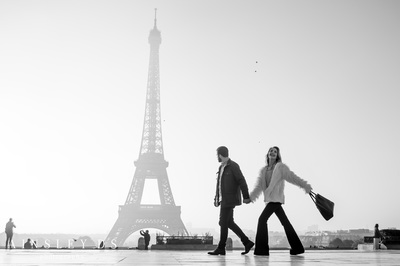 Engagement & couple photoshoot in Paris with Ainsley Ds photography, Paris photographer.