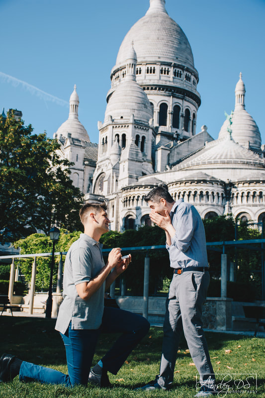 Gay elopement photo shoot in Paris by Paris photographer Ainsley Ds photography