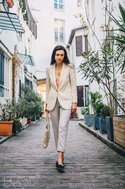 Fashion and influencer photo shoot in Paris by New Zealand portrait photographer Ainsley DS